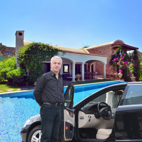 Airport to Holiday Home: Private transfer